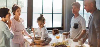 Guardian Glass - ClimaGuard - 55/27 - photo of family preparing breakfast in kitchen