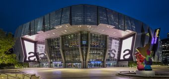 Guardian Glass SunGuard SNX 62/27 - Golden 1 Center exterior photo