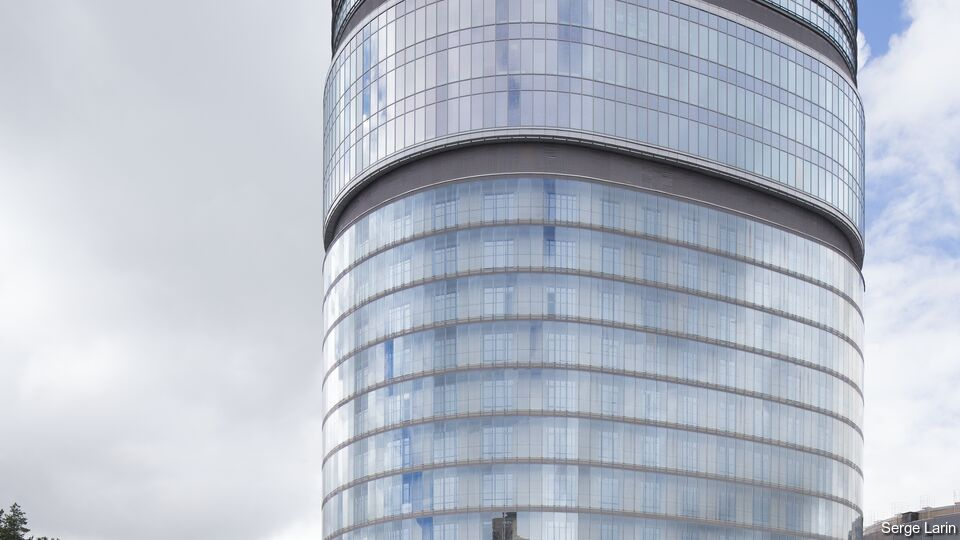 SunGuard Spandrel HT glass on Almazov Hospital, St. Petersburg, Russia