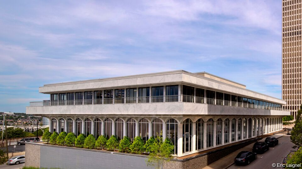 225 Polk, Nashville | <b>SunGuard SN 68 on UltraClear</b> | Hastings Architecture