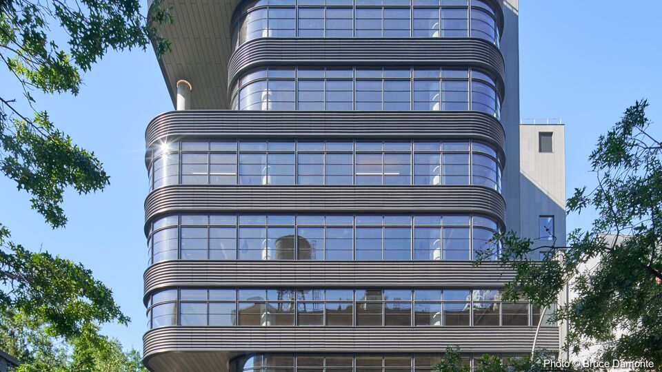 512W22, New York City | <b>SunGuard SN 68 on UltraClear</b> | COOKFOX Architects