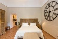 Arienzo Deluxe Room
