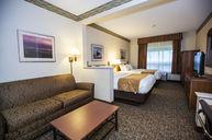 Double Queen Standard Suite