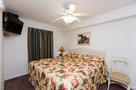 Accessible One Bedroom Suite with Bathroom (West)