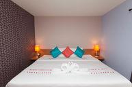 Honeymoon Room (Moon E)