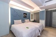 Elegant Suite 2