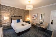 Deluxe Room (381)