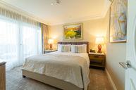 Junior Beverly Hills Suite