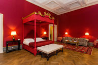 Baldacchino Rosso Room