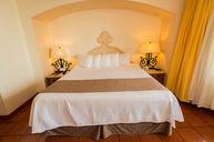 King Bed Condo