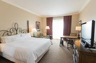 King Room (with Riverwalk view)