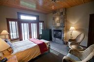 Lodge Queen Room