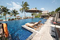Lower Infinity Edge Pool