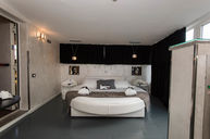 Round Dreams Room with Two Terraces and Jacuzzi