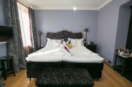 Medium Premium Room