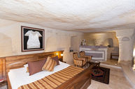 Mehmet Tokat Evi-Majestic Cave & Pool Suite