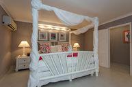 Oceanfront Honeymoon Suite