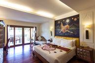 Grand Deluxe Jacuzzi Room