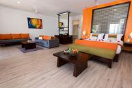 Grande Riviera Suite