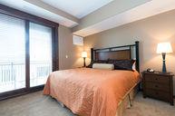 One Bedroom Apartmetn with Den