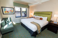 One-Bedroom Deluxe Suite