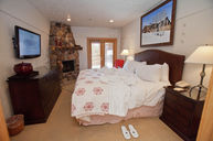 One-Bedroom Luxury Suite