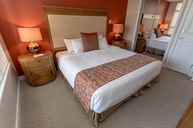 One Bedroom Suite (Lake View)