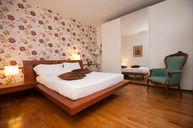 Oseleta Room
