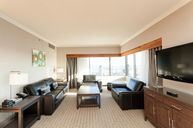 Panoramic Suite with Dining Area