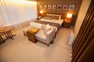 Plaza Premier Room