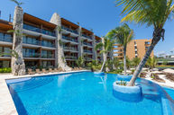 Pool 3 Casa Espiral