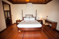 Honeymoon Water Villa
