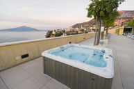 Jacuzzi Rooftop Terrace