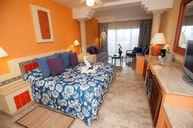 Junior Oceanfront Suite