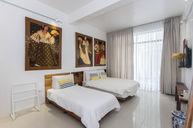 Premier Gallery Suite