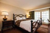 Premier Suite Balcony King-2