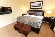 Premium Peek Ocean View King Room