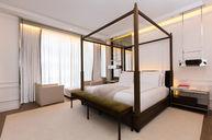 Prestige King Suite