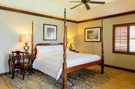 Kensington Cove Honeymoon Beachfront Club Level Room