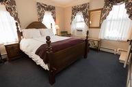 Queen Bed Room (Mountain View)
