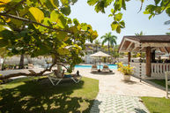 Residence Suites Pool