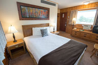 Retro Suite, Three Queen Beds