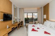 Room with Deluxe Sea View (Honeymoon Set Up)