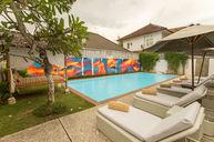 Laya Chintana pool