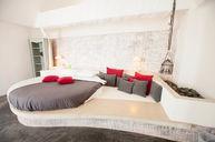 Alexander Pool Suite