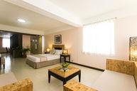 Lian Suite