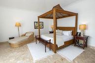 Second-Floor Villa Junior Suite
