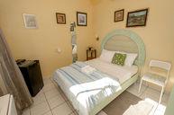 Sencilla Room