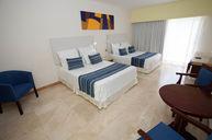 Standard Quadruple Room with Pool Access