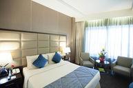 Standard Queen Deluxe Room